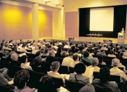 Konferencia tolmácsolása angolul